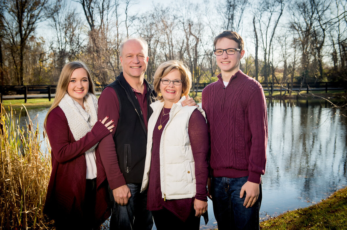 family portraits at the pond in loudoun county
