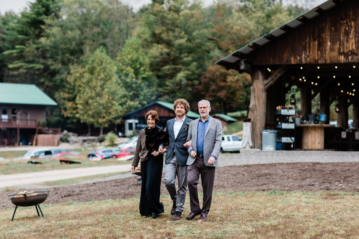 Danielle-Defayette-Photography-Mountain-Laurel-Farm-Wedding-Virginia-211