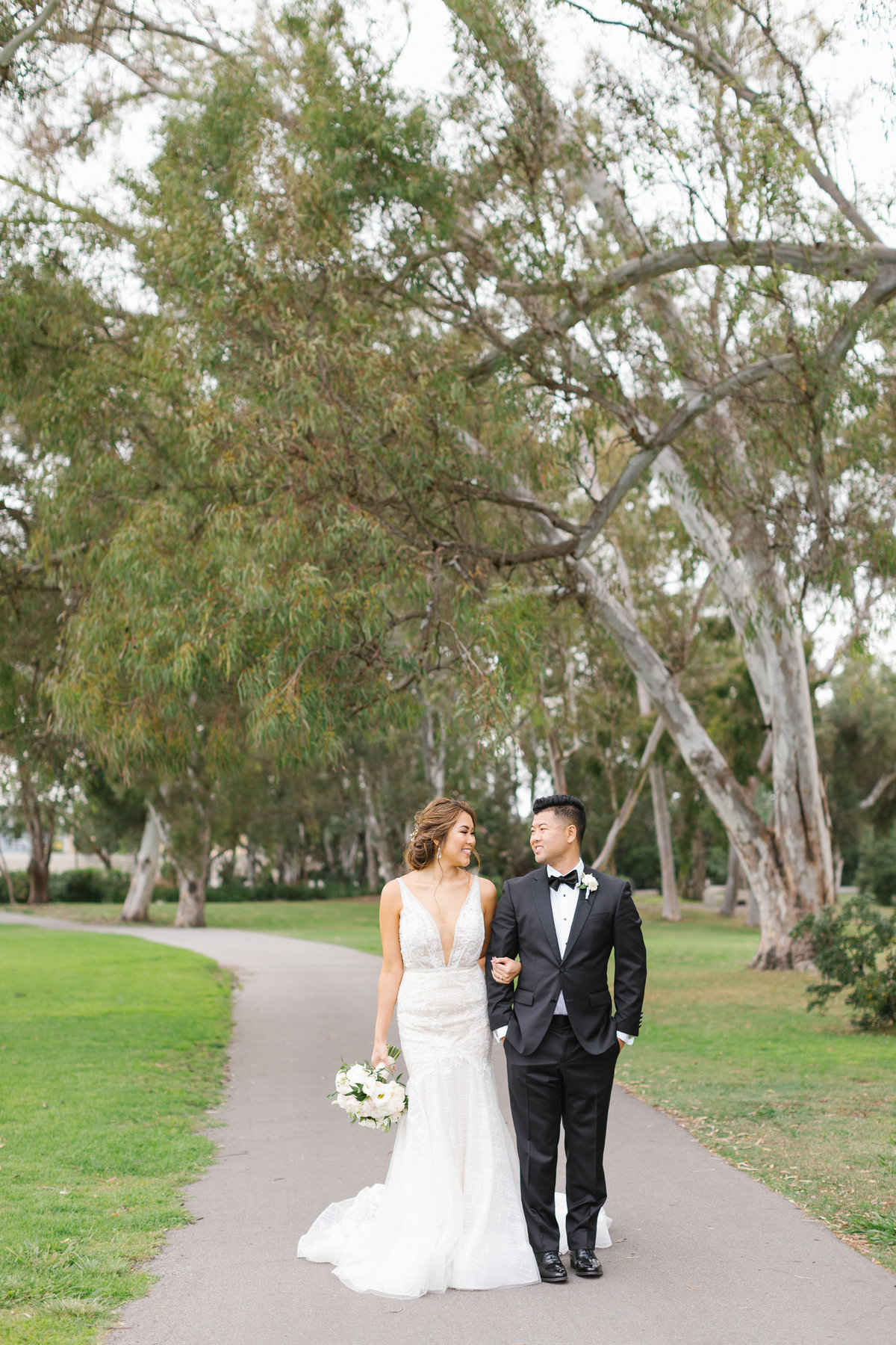 Huntington-Beach-Wedding-The-Venue-33