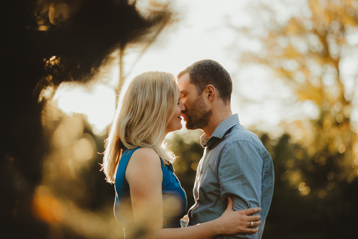 7_Outdoor_Couple_Engagement_Fall_Sunset_Maryland_Oregon_Ridge