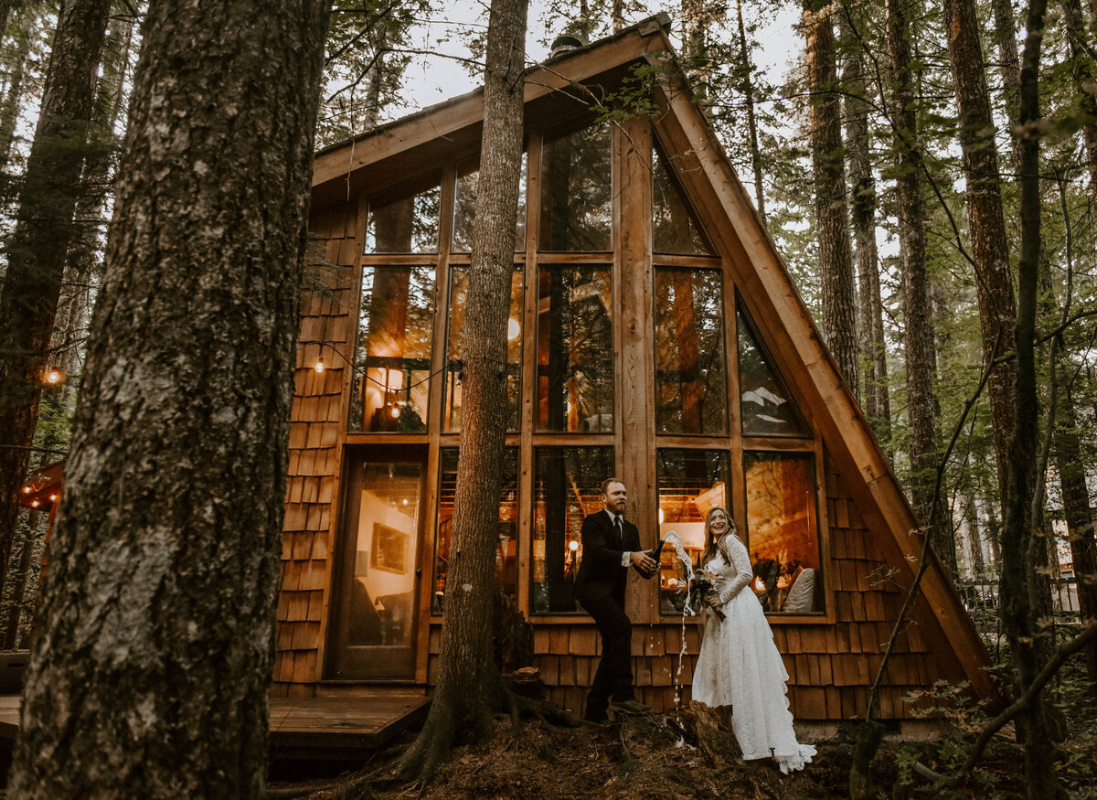 mount-hood-mountain-cabin-woods-elopement-forest-oregon-pnw-wedding-photographer9719