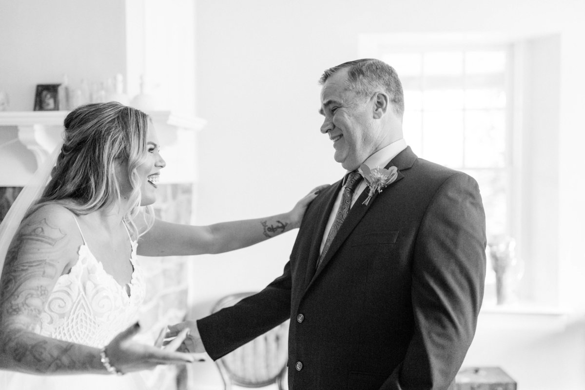 bride and dad see each other for first time