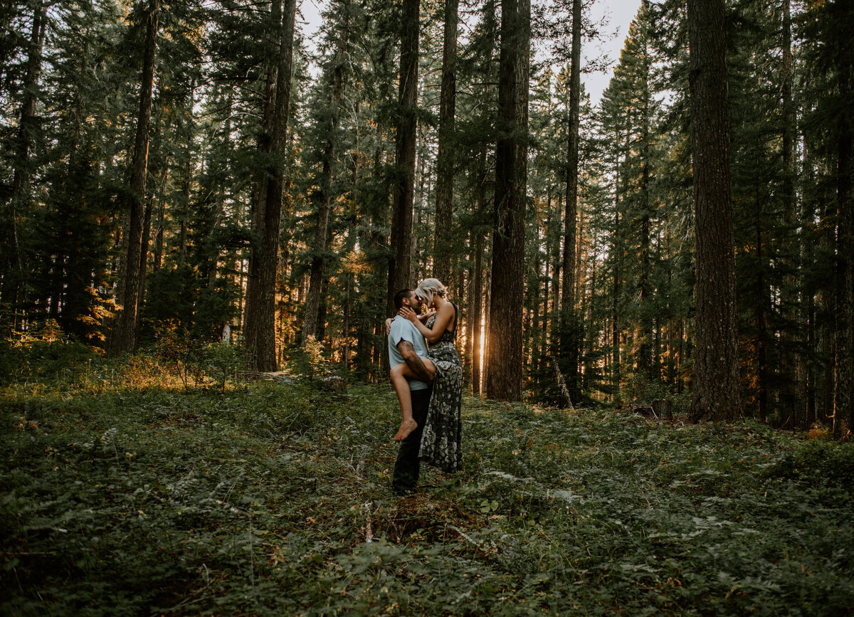 sahalie-falls-oregon-engagement-elopement-photographer-central-waterfall-bend-forest-old-growth-6881