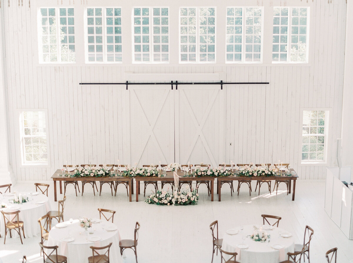 White Sparrow Barn_Lindsay and Scott_Madeline Trent Photography-0112
