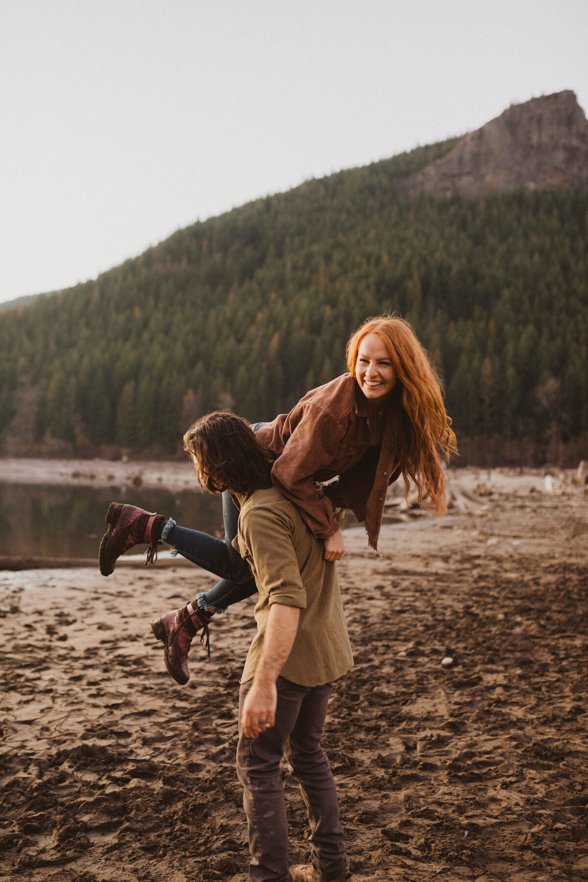 liv_hettinga_photography_seattle_lake_adventure_elopement-97