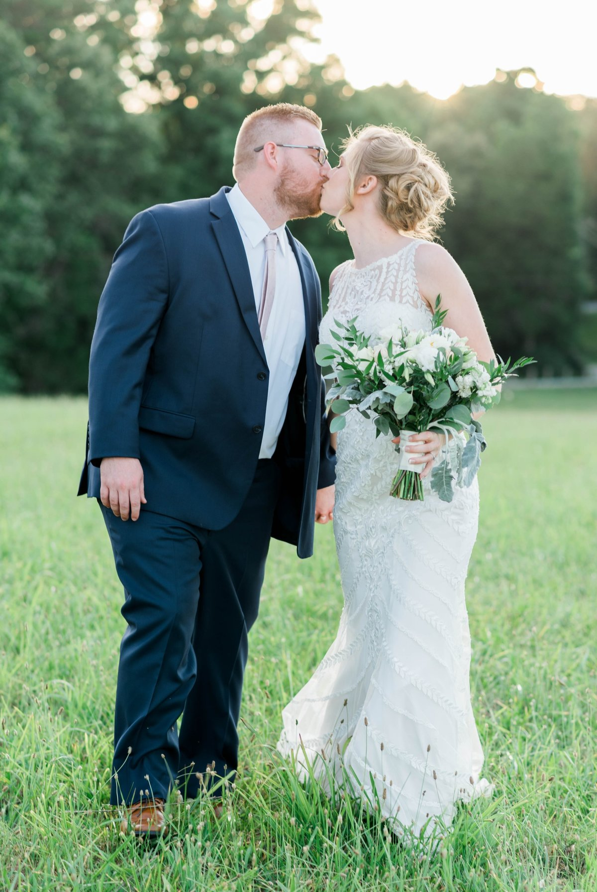 SorellaFarms_VirginiaWeddingPhotographer_BarnWedding_Lynchburgweddingphotographer_DanielleTyler+27(2)