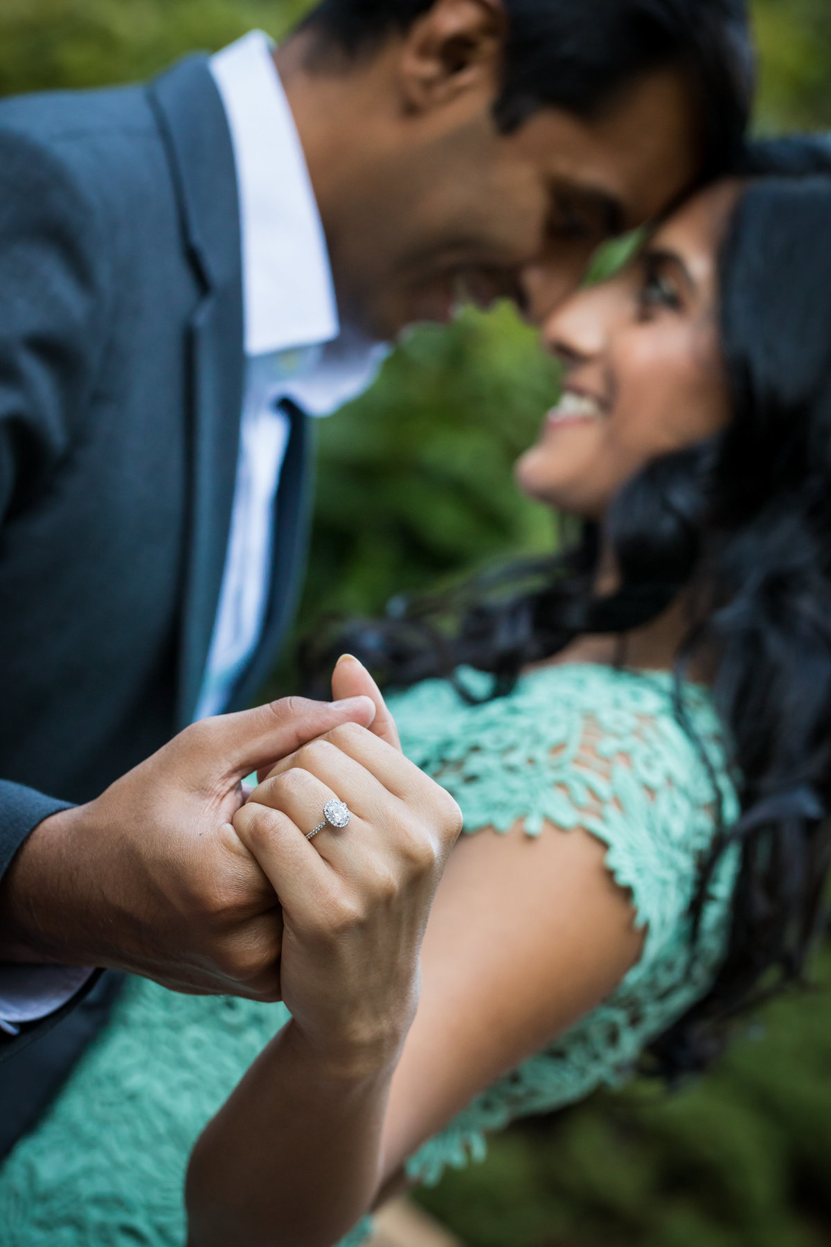 engagement-photo-sayen-gardens-054