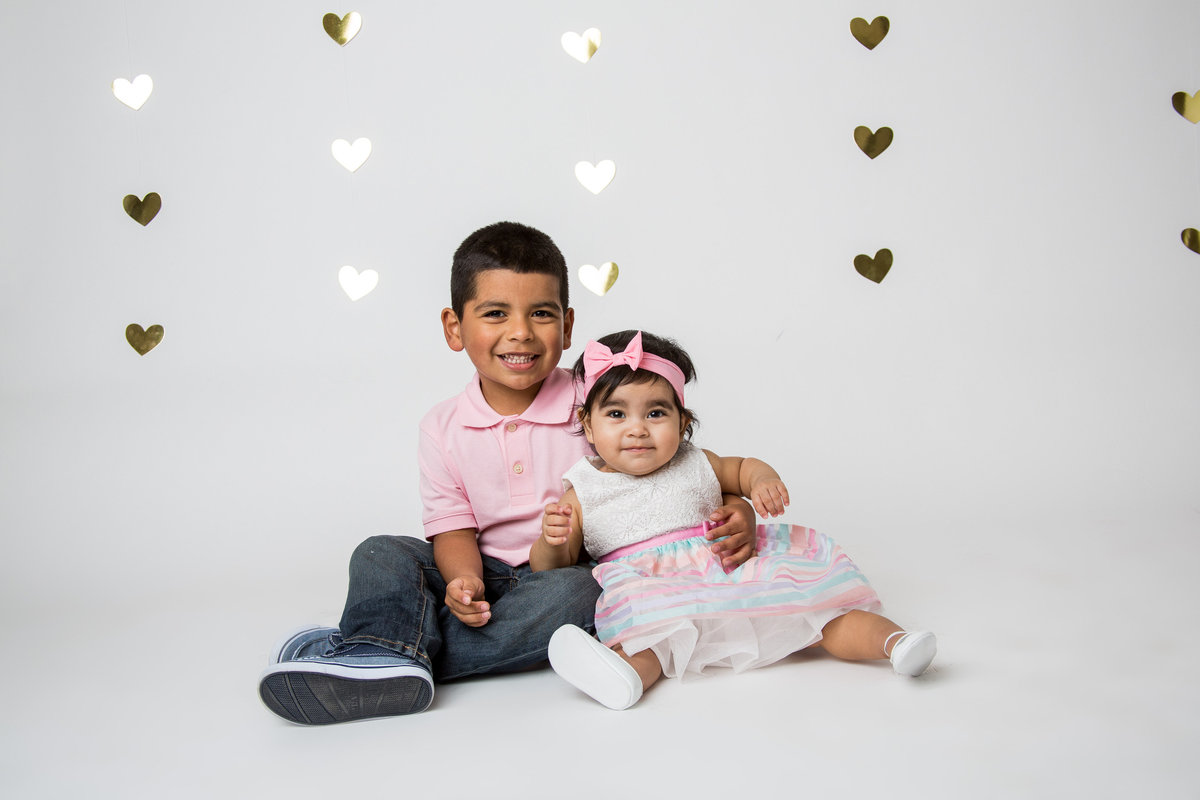 valentine portrait session for children with hearts in San Antonio by photographer Expose The Heart
