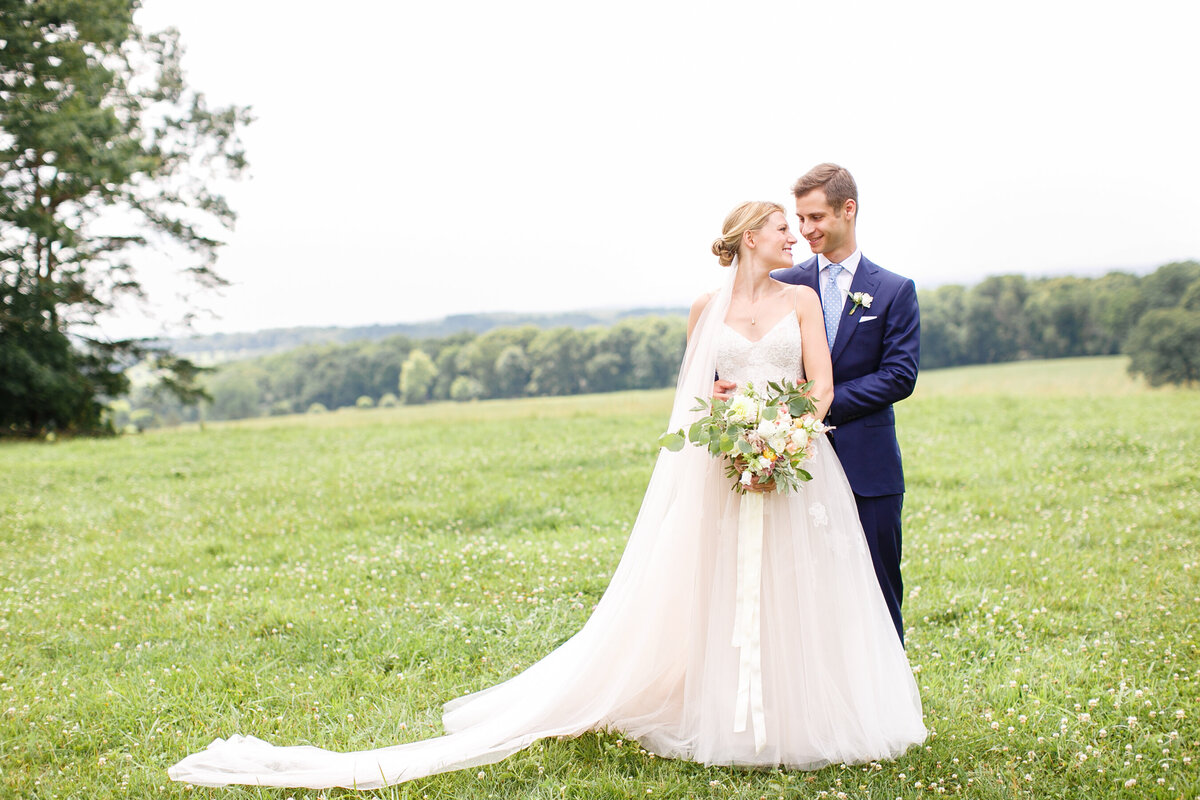 Tara Liebeck Photography Wedding Engagement Lifestyle Virginia Photographer Bright Light Airy30