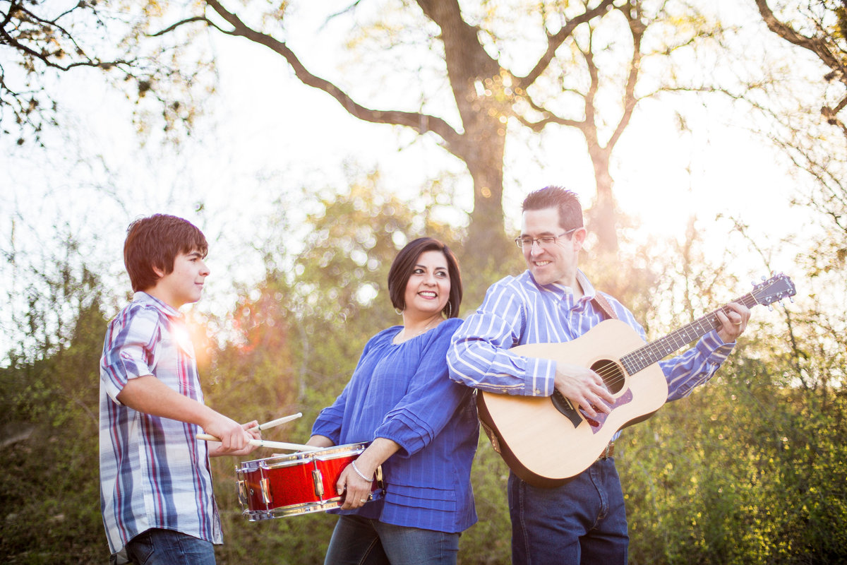 family photography session of musicians outdoors by San Antonio Photographer Expose The Heart
