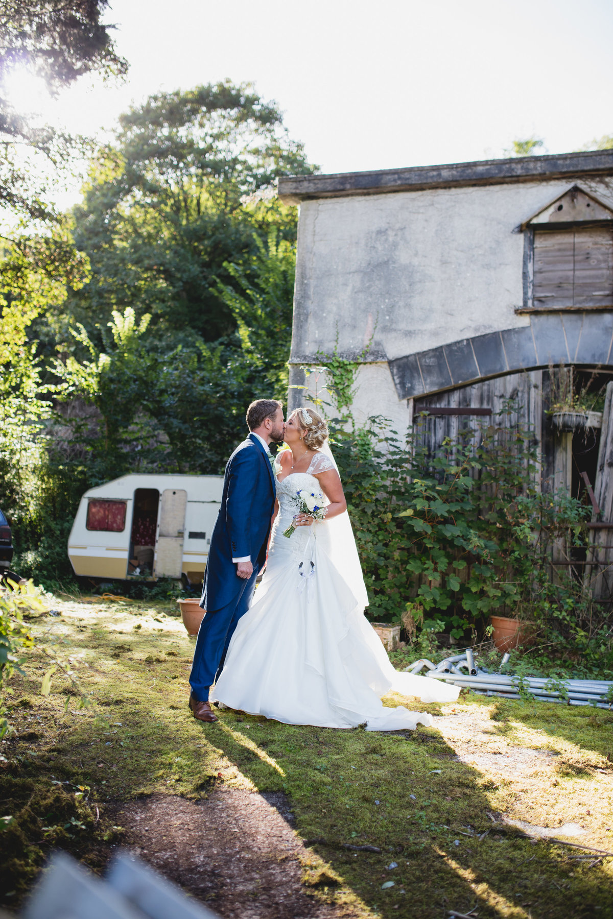 unusual wedding photos bickley mill