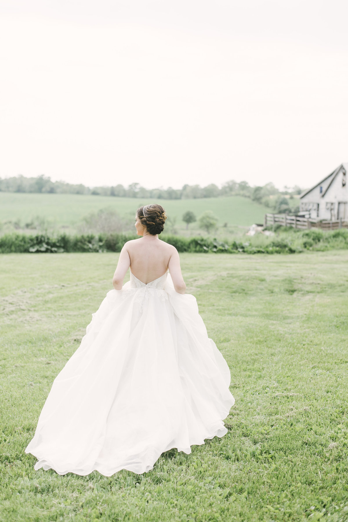 Monica-Relyea-Events-Alicia-King-Photography-Globe-Hill-Ronnybrook-Farm-Hudson-Valley-wedding-shoot-inspiration22