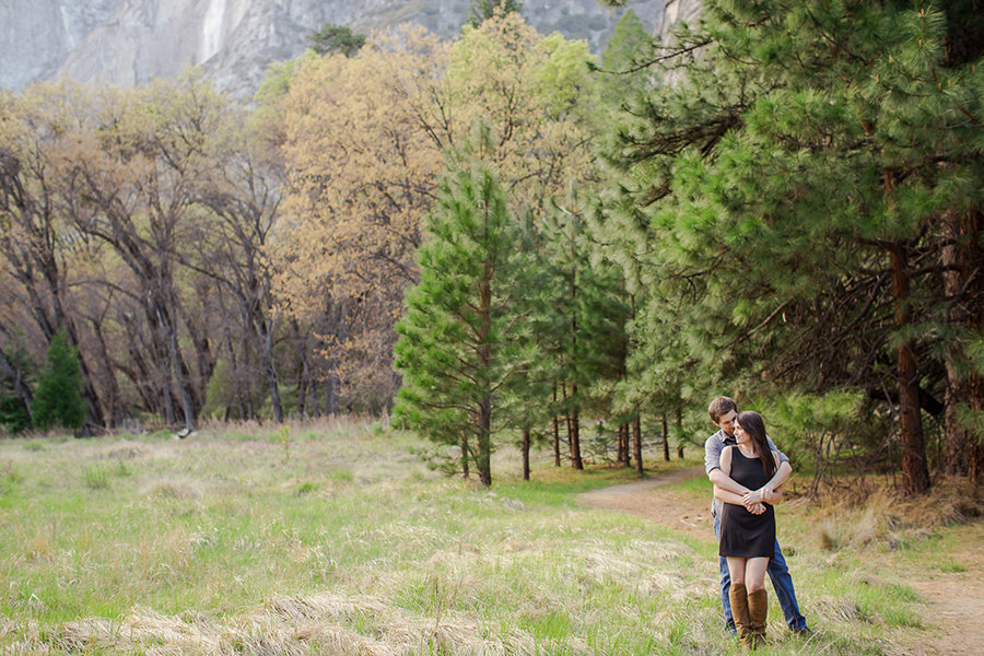 bride and groom engagement nature outdoor wedding colorado wedding romantic national park yosemite