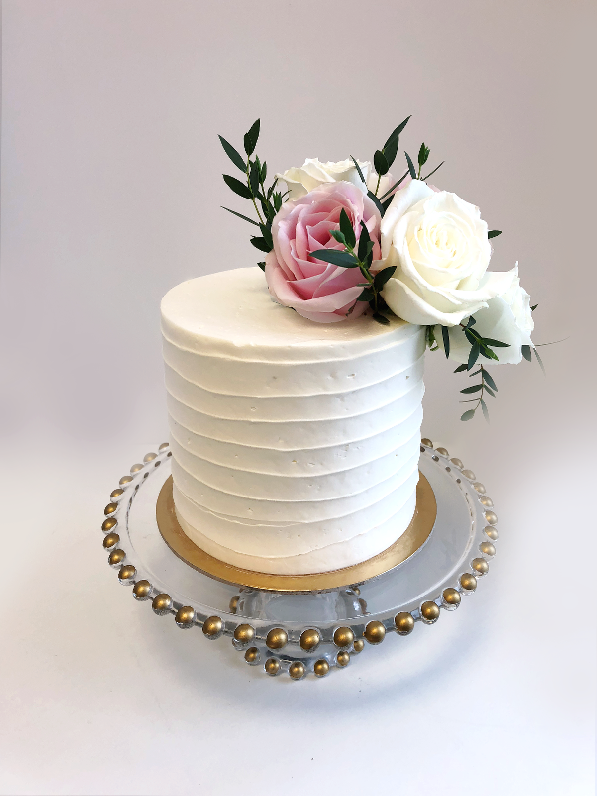 Whippt Desserts - Cutting Cake buttercreamridges Oct 2018