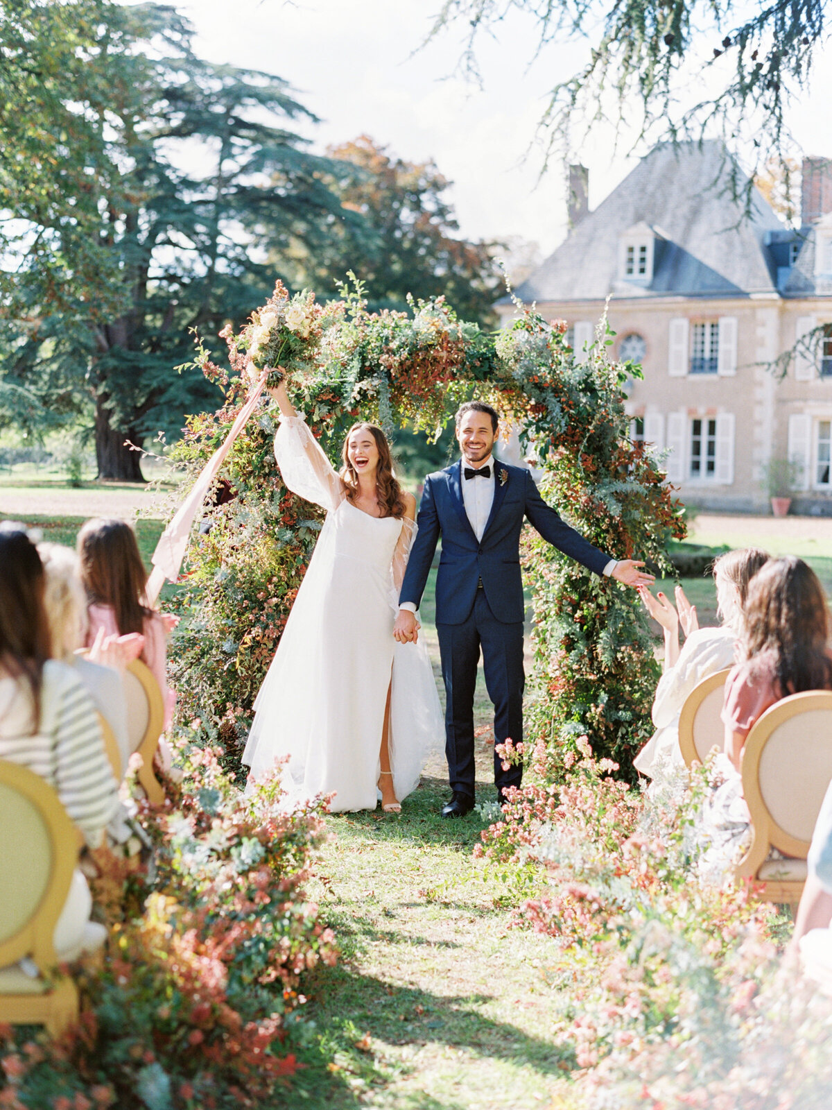 chateau-bouthonvilliers-wedding-paris-wedding-photographer-mackenzie-reiter-photography-99