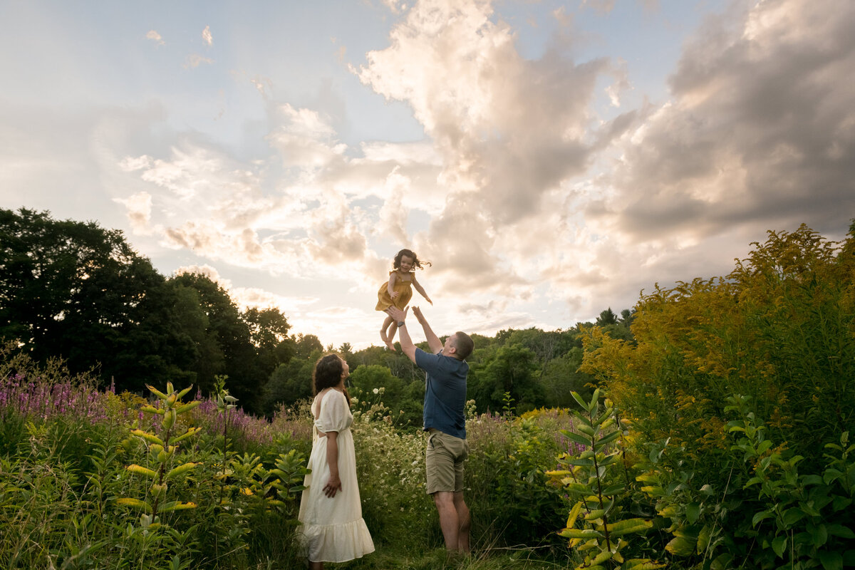 Boston-family-photographer-bella-wang-photography-Lifestyle-session-outdoor-wildflower-82