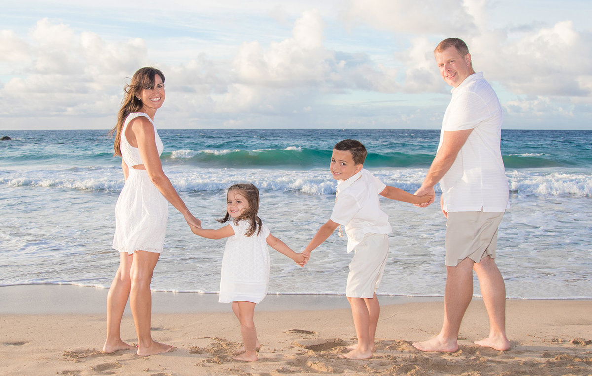 Waikiki Photographers | Family | Weddings |  Couples | Engagement