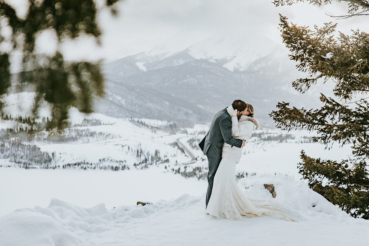 snowy day wedding at Sapphire Point in Breckenridge CO