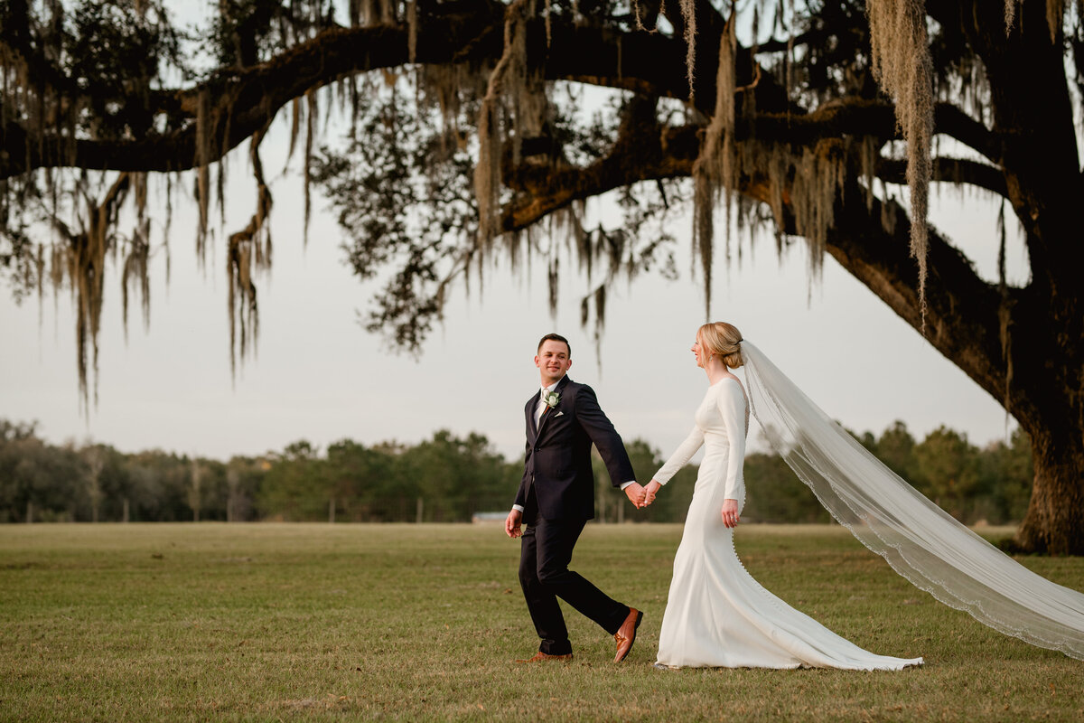 Bride and groom photos at Clark Plantation in Newberry, Florida.