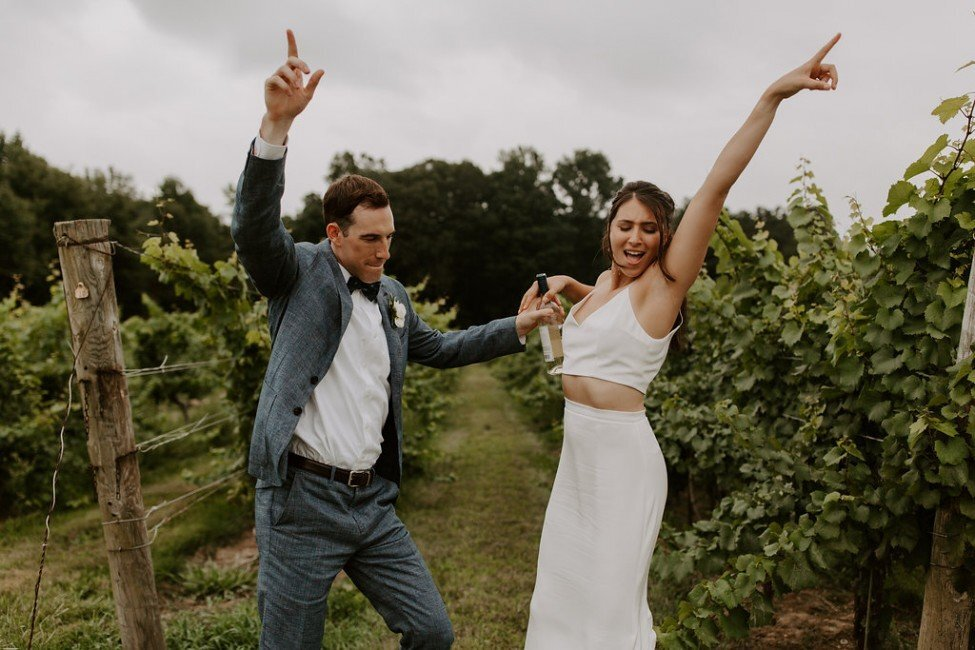ct-wedding-planner-chamard-vineyards-wedding-21-975x650