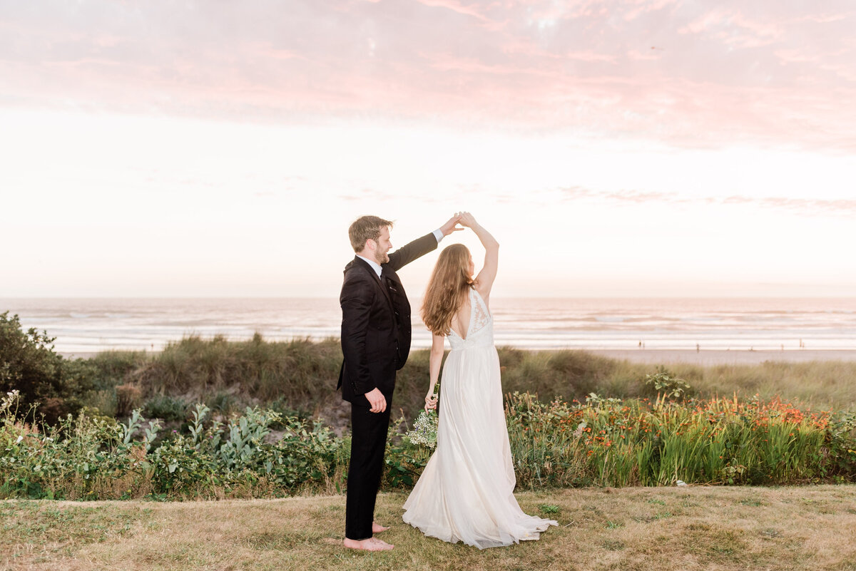Cannon-Beach-Elopement-Photographer-76