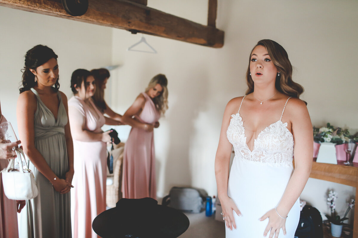 BURY-COURT-BARN-WEDDING-SUMMER-0019