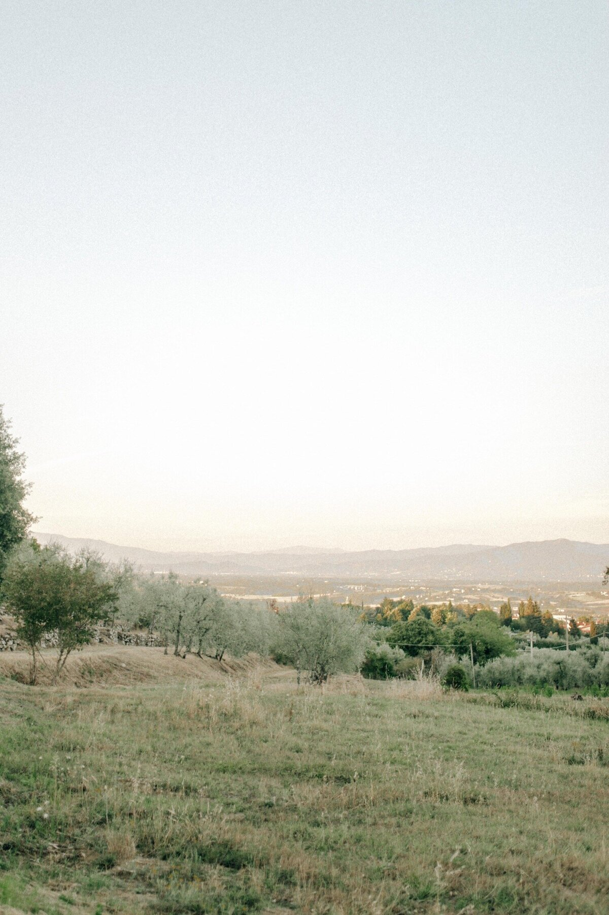 46_Tuscany_Luxury_Wedding_Photographer (46 von 54)_A luxury wedding photographer in Tuscany. Discover the work of luxury wedding photographer Flora and Grace in Italy.