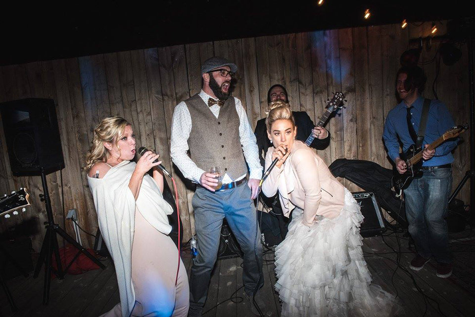 Granby-colorado-strawberry-creek-ranch-hipster-mountain-wedding-musical-encore