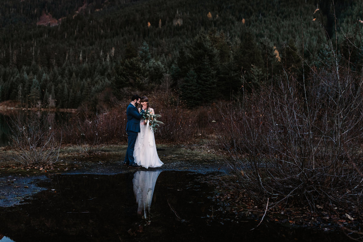 Oregon_elopement_Gold_Creek_pond_Adventure_wedding_photography (601 of 793)