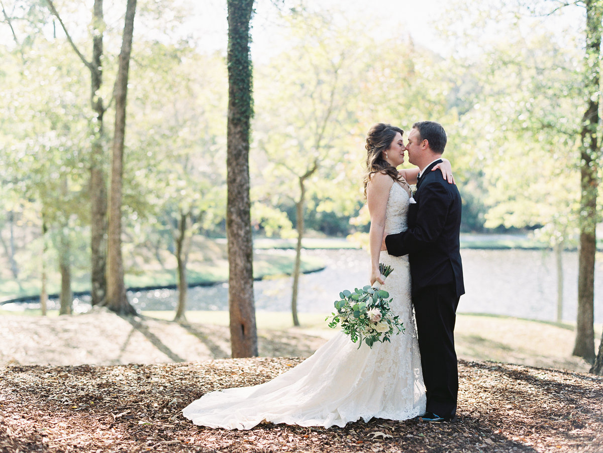 687_Anne & Ryan Wedding_Lindsay Vallas Photog