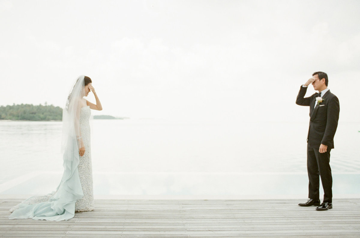 46-KTMerry-destinationwedding-firstlook-portrait-Maldives