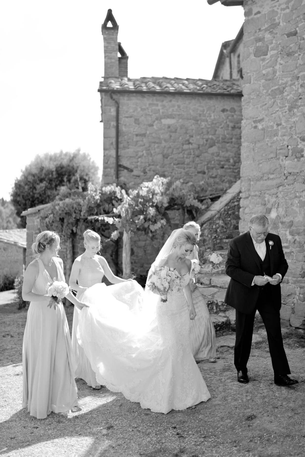 050_Tuscany_Luxury_Wedding_Photographer (61 von 215)_So thankful to be a luxury destination wedding photographer in Tuscany! Claire and James invited their beloved family & friends from London to their luxury wedding in Tuscany.