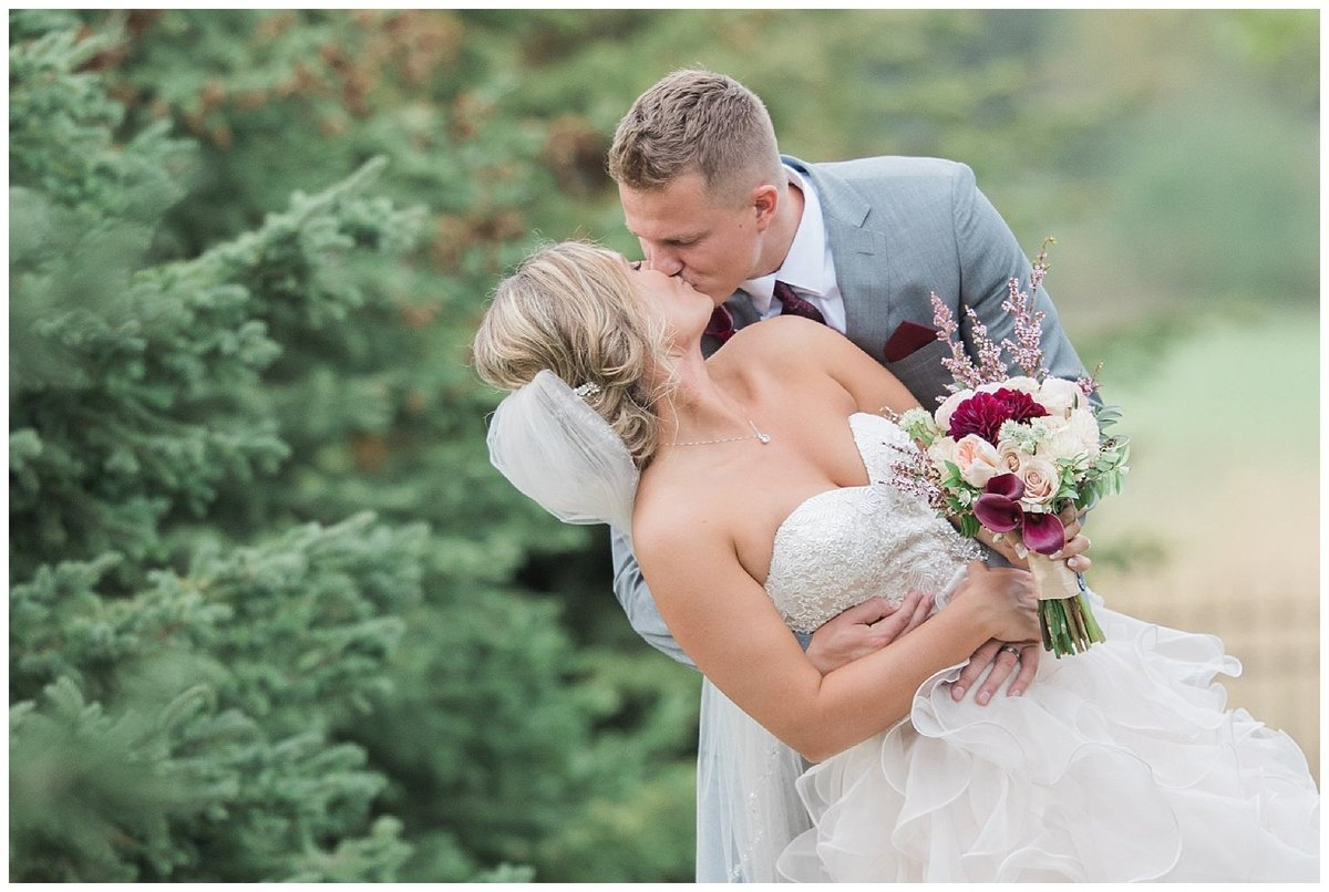 Romantic Wedding - South Dakota Wedding - Midwest Wedding_0313