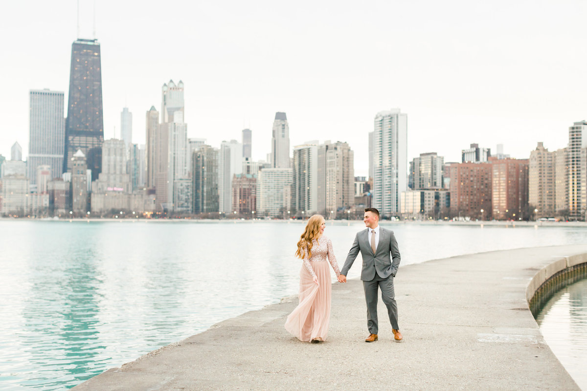 lindsey-taylor-photography-north-avenue-beach-chicago-engagement-photographer17