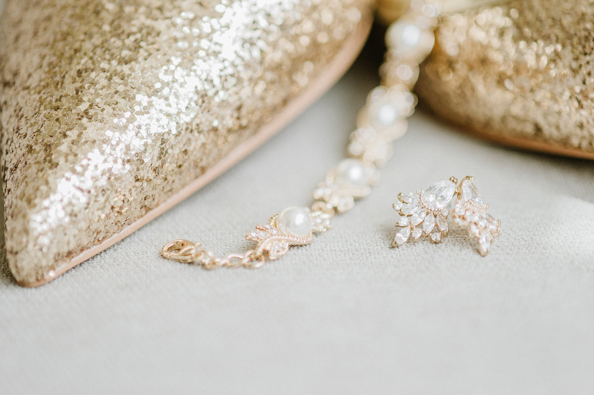 gold-sparkle-wedding-shoes-jewelry-photo