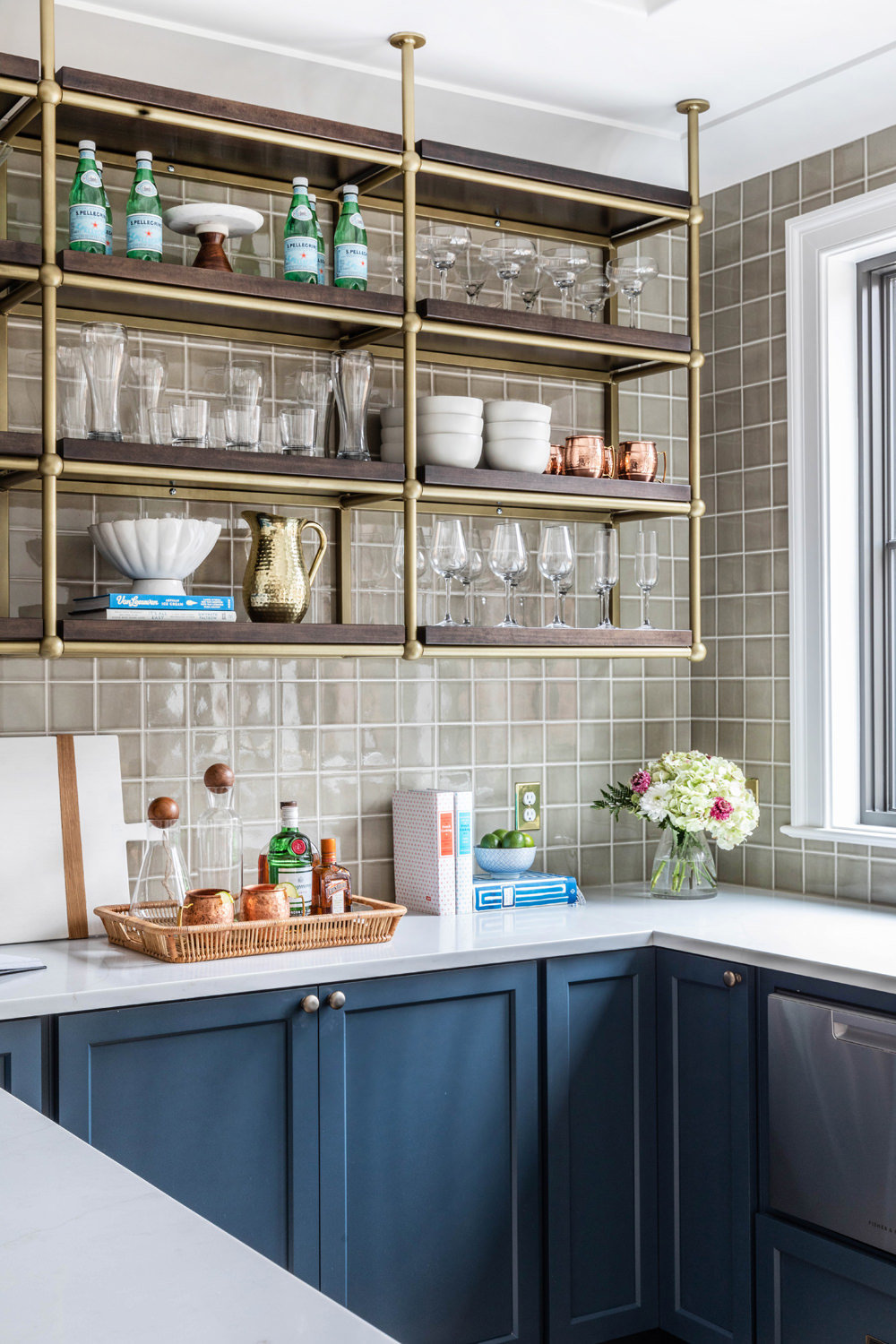 Benjamin-Moore-Blue-Note-Basement-Bar-with-Brass-French-Bistro-Shelving-3