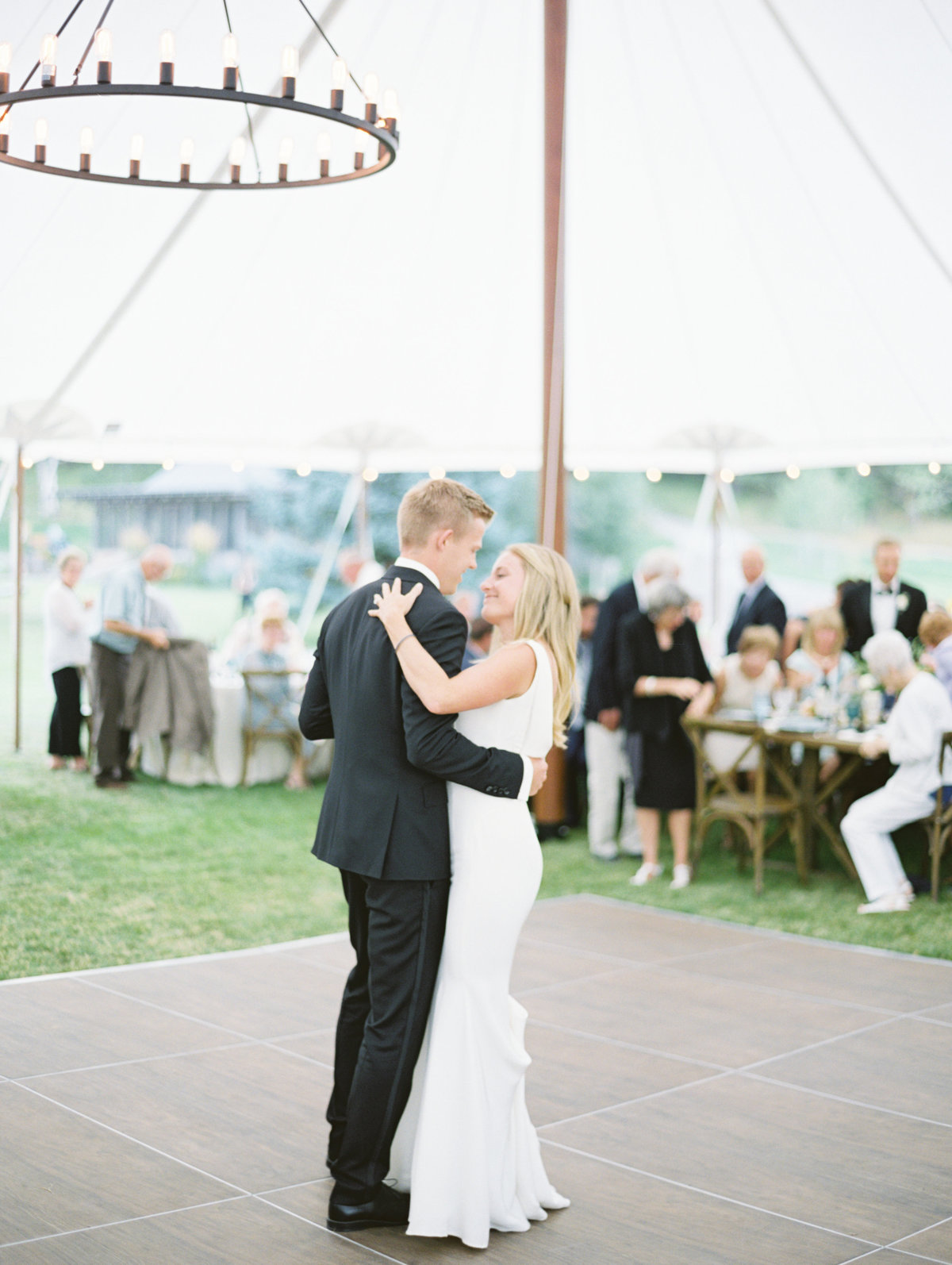 sailcloth-tent-wedding