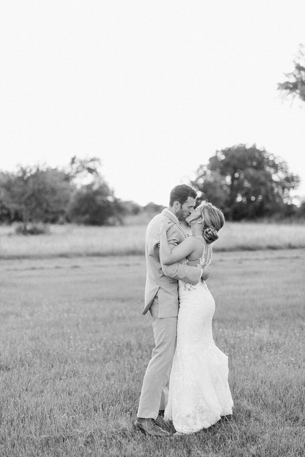 hannah_and_skyler_bride_and_groom-118