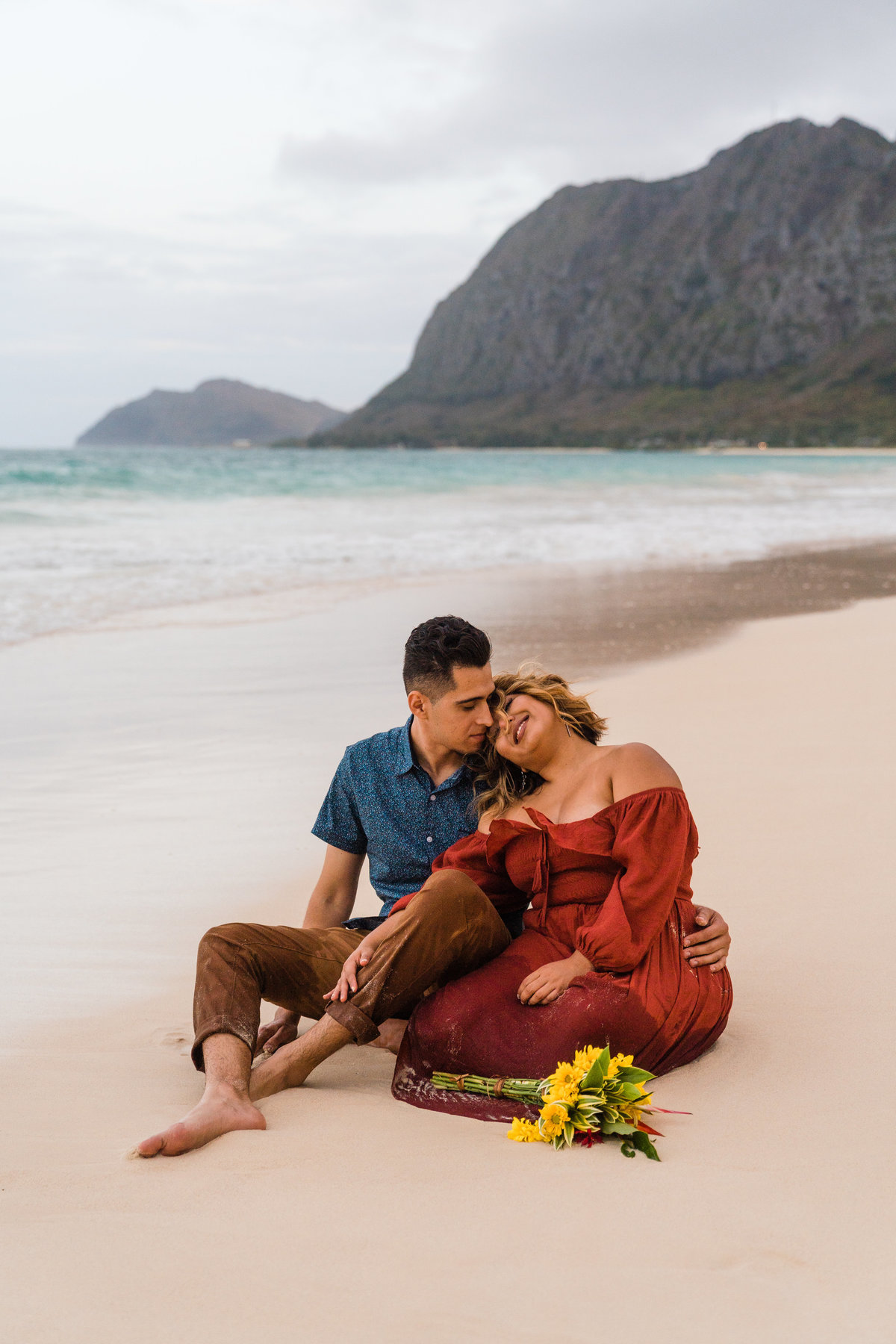 waimanalo-beach-picnic-anniversary-photo-session-sydney-and-ryan-photography-128