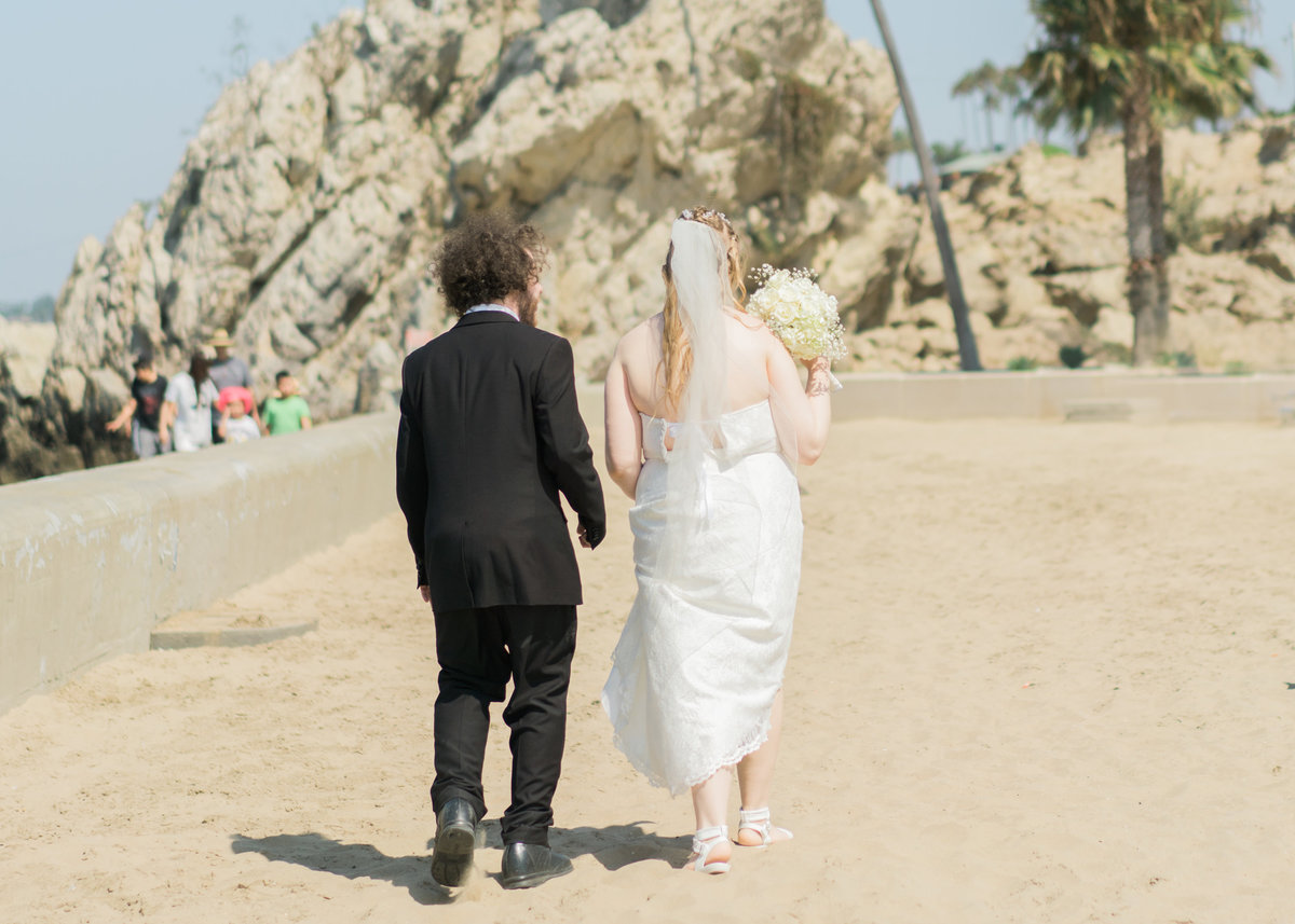 JamieBrownPhotographyBeachElopement-39_mini