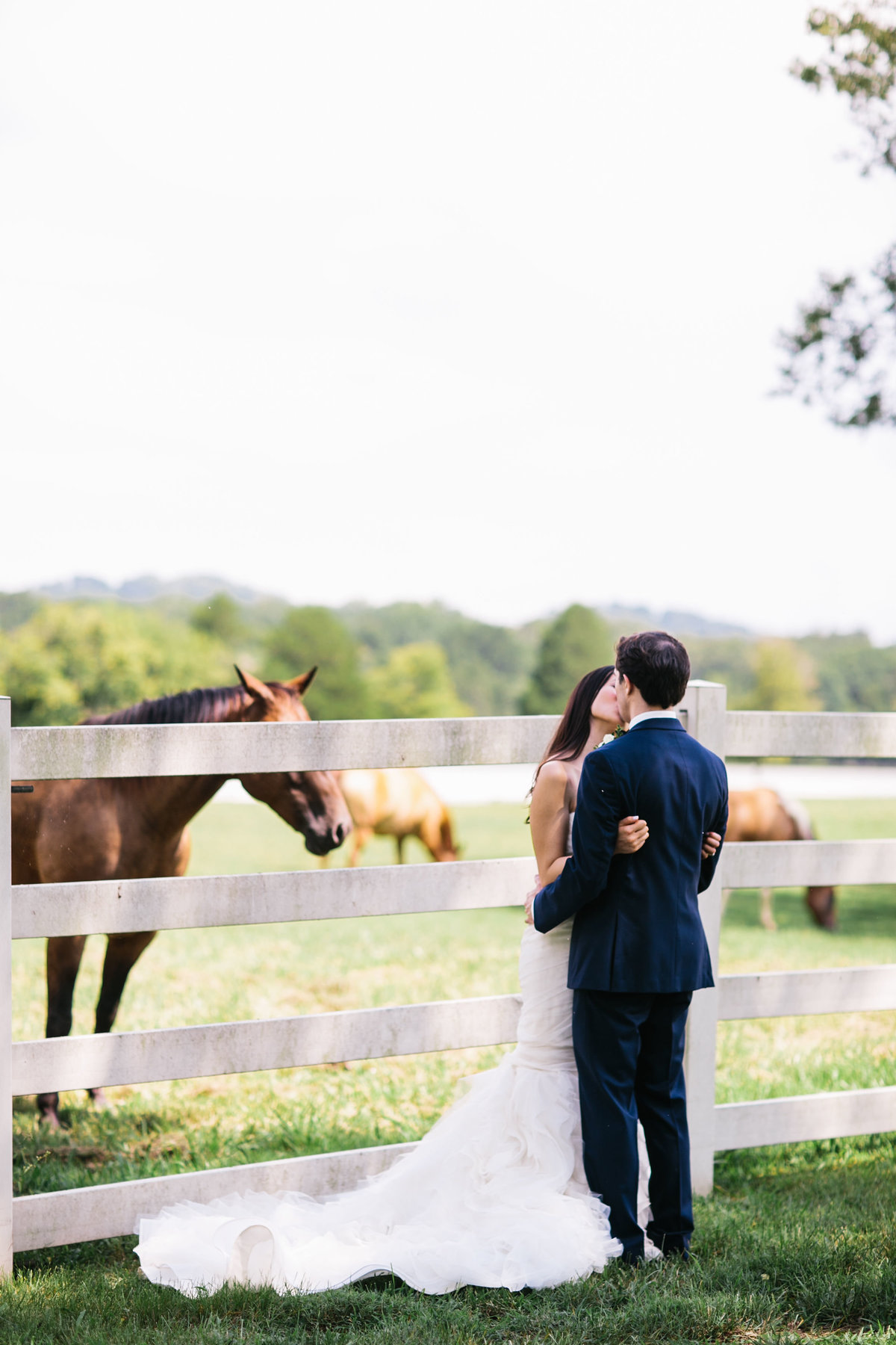 Fionnie_Jacob_Marblegate_Farm_Wedding_Knoxville_Abigail_Malone_Photography-415