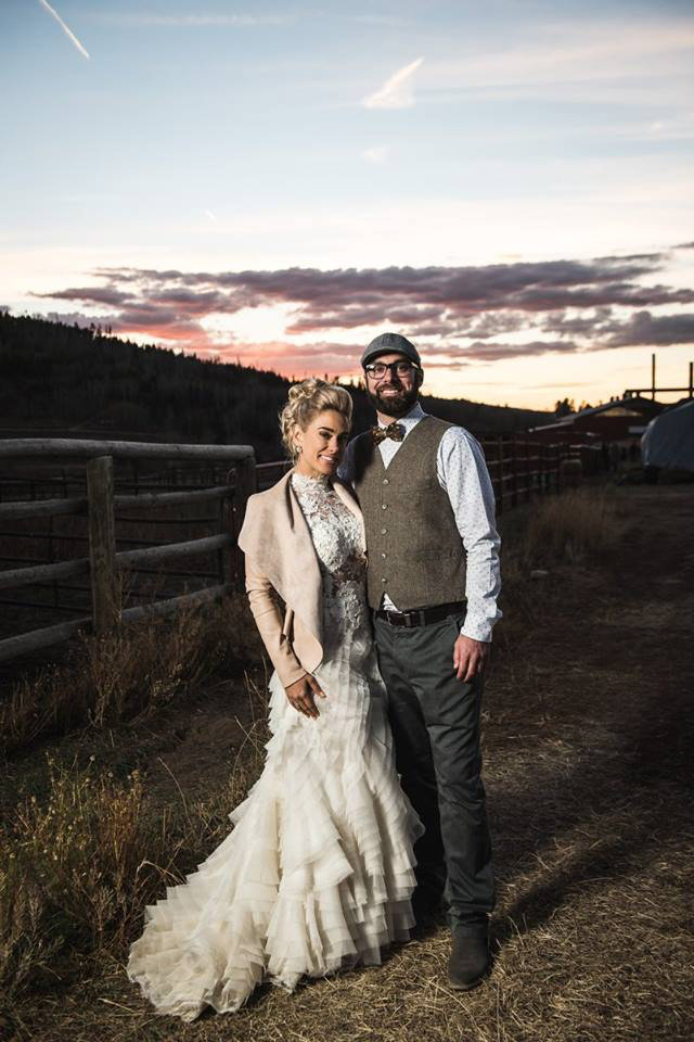 Granby-colorado-strawberry-creek-ranch-hipster-mountain-wedding-bride-and-groom-at-sunset