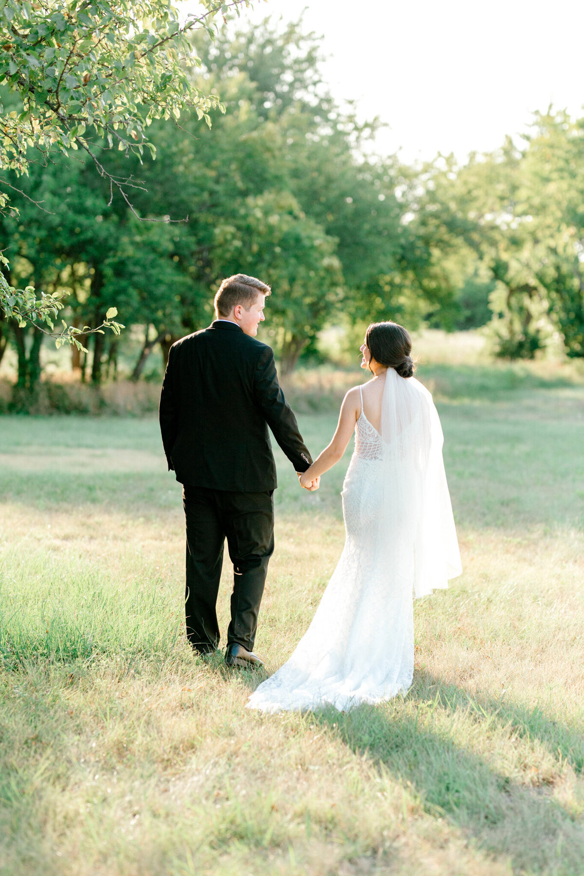 Anna & Billy's Wedding at The Nest at Ruth Farms | Dallas Wedding Photographer | Sami Kathryn Photography-13