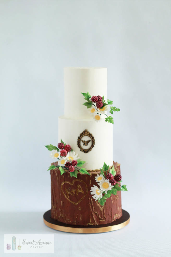 tree bark wedding cake with  woodland wild flowers and berries, Hamilton ON wedding cakes