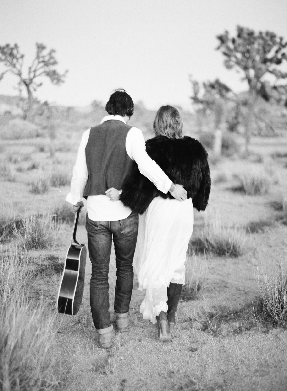 31-KTMerry-engagement-photography-desert-hippie-musician-Joshua-Tree