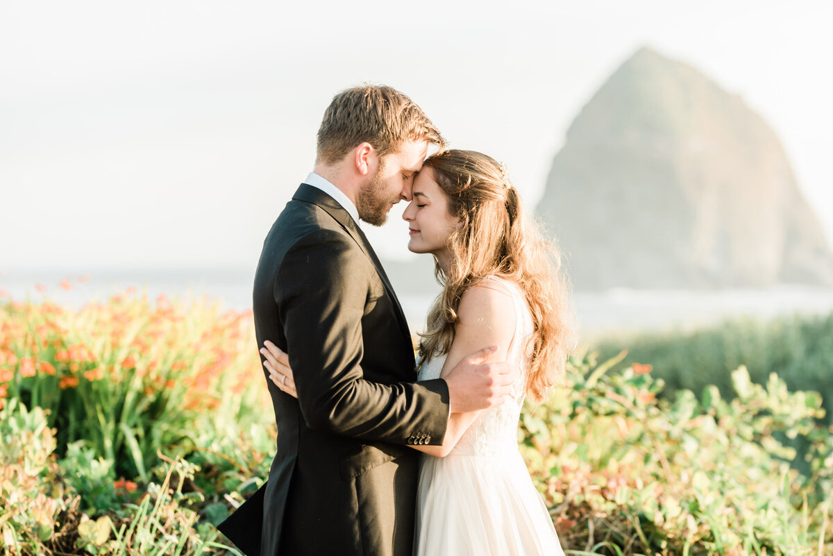 Cannon-Beach-Elopement-Photographer-29