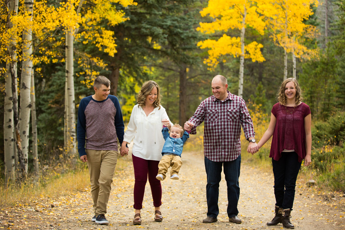 fall-family-portraits-evergreen-colorado