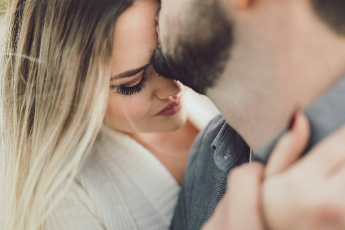 romantic-engagement-photography-kitchener
