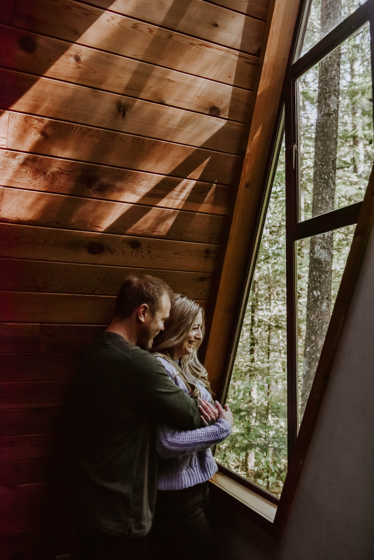 cabin-indoor-cozy-oregon-mountain-forest-photoshoot-photographer9416