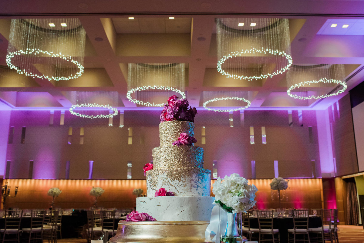 Gold Wedding Cake at the Four Seasons in St Louis